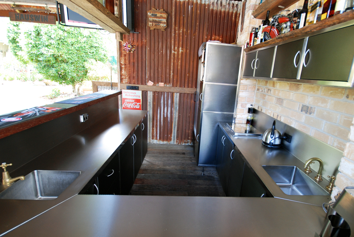 Residential stainless outdoor kitchen and bar