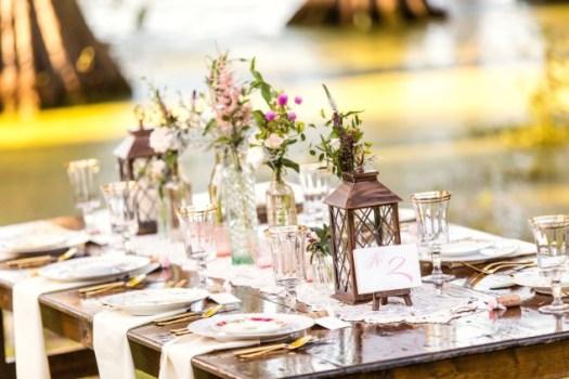 Southern Vintage Table Event Amanda Nathans Lakeside Wedding