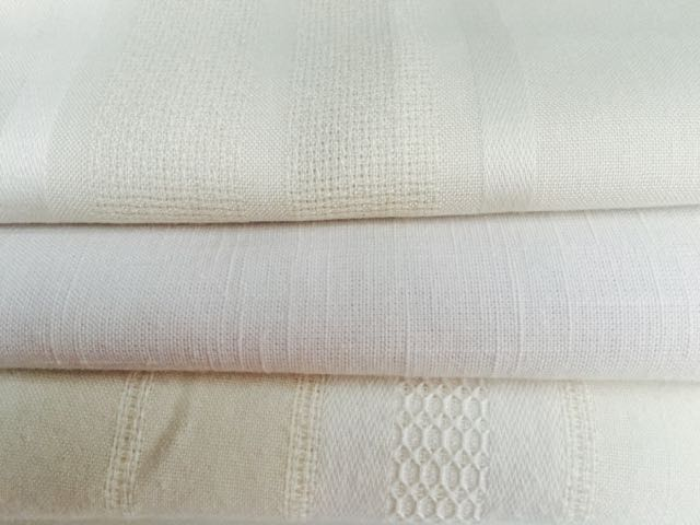 Cotton/Blend - Cream Tablecloths (Top to Bottom)