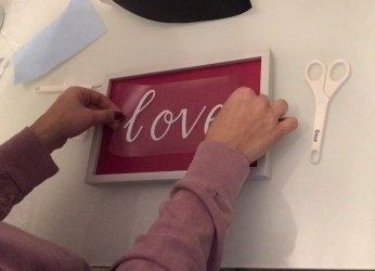 valentine, valentine signs, valentines wood signs, valentine project, wood signs, dollar tree decor, dollar tree valentine decor, Cricut project, Cricut valentine project,