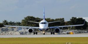 JetBlue-Embraer190-FLL_TH21124