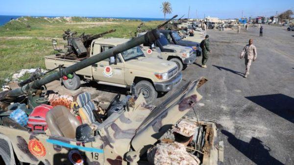 """Líbyjská národná armáda postupuje na Tripolise napriek výzvam Medzinárodného spoločenstva na """"mier"""""""