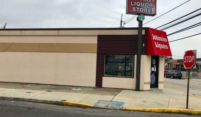 Johnnie's Liquors