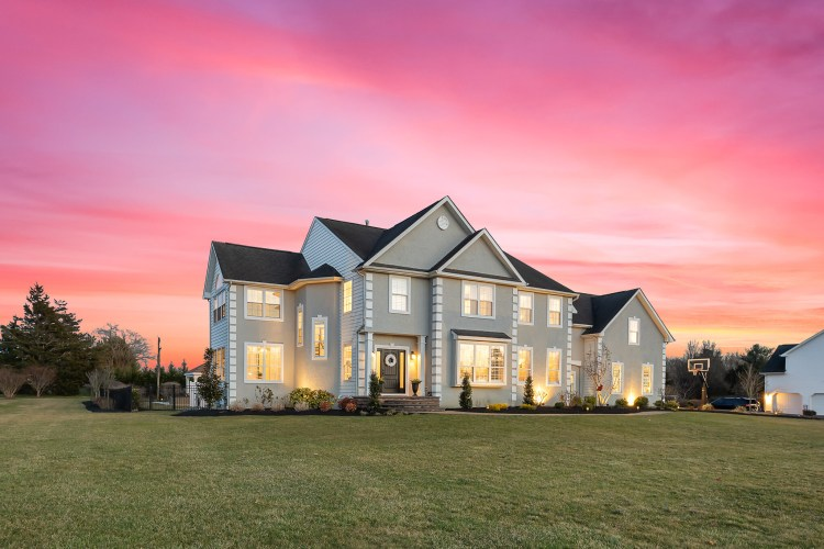 Open Houses This Weekend 9 Chestnut Court