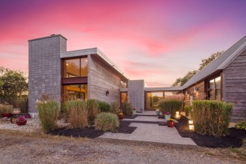 Mannington Yorketown Road Is A Stunning California Style Eco-Friendly Home