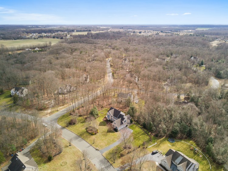 Aerial view of 19 Hollybrook