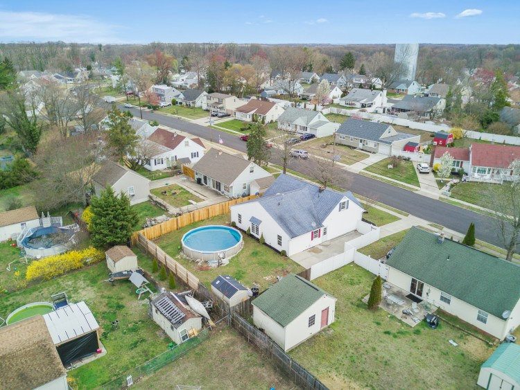 Aerial view of 470 Dickinson