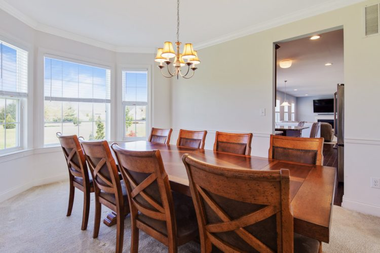Dining room gets tons of sunlight