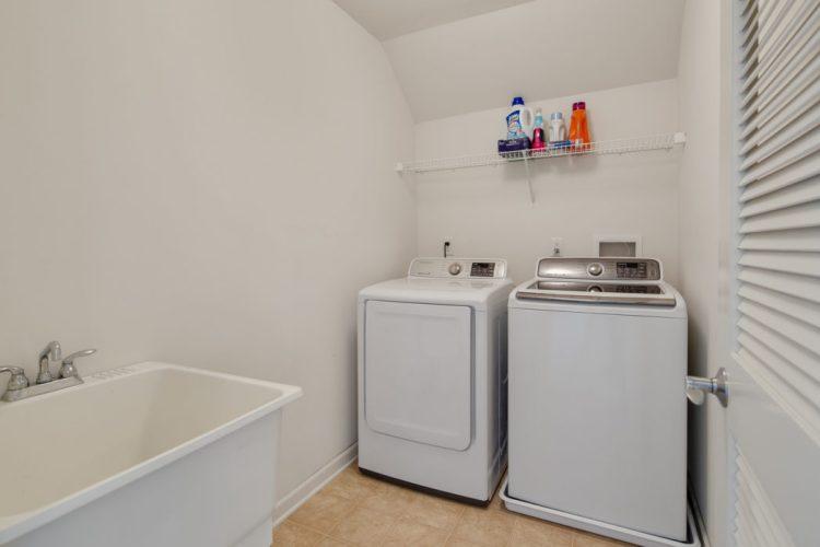 Laundry room at 4 Palomino Circle