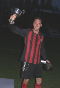 Lenny Kinsella with the Rhodes Cup