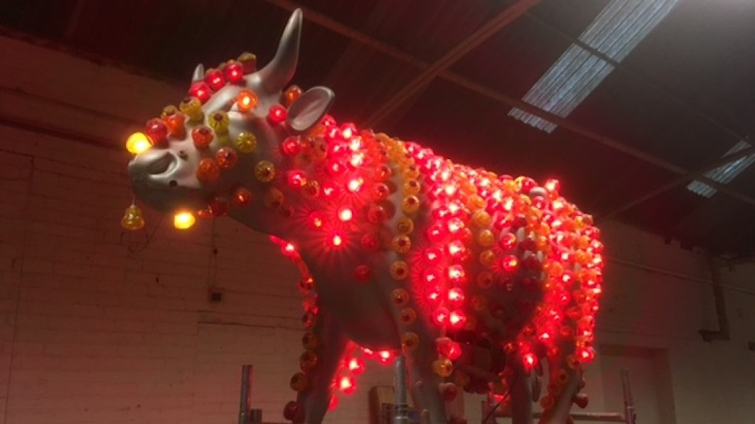 This 'flashing cow' will greet customers at Kro's pop-up bar at the weekend