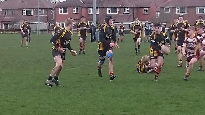 Rafferty supplies quick ball for Heaton Moor