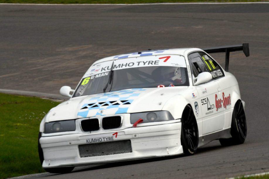 Garrie Whitaker, Kumho BMW Championship, Oulton Park