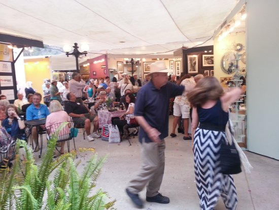 Laguna Beach Art a Fair Dancing by SouthOCBeaches.com