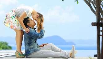 Vikram & Nayanthara's sizzling chemistry revealed!
