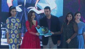 Parul Yadav wins SouthScope's of Rising Sensation of the Year