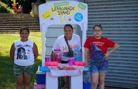 Dallas Minnifield, her Mom Rosa Minnifield and Ava Ross set up a lemonade stand at Mount Baker Park on Wednesday June 23, offering ice cold homemade lemonade for $2 a glass to thirsty beach goers. (photo: Susan Fried)