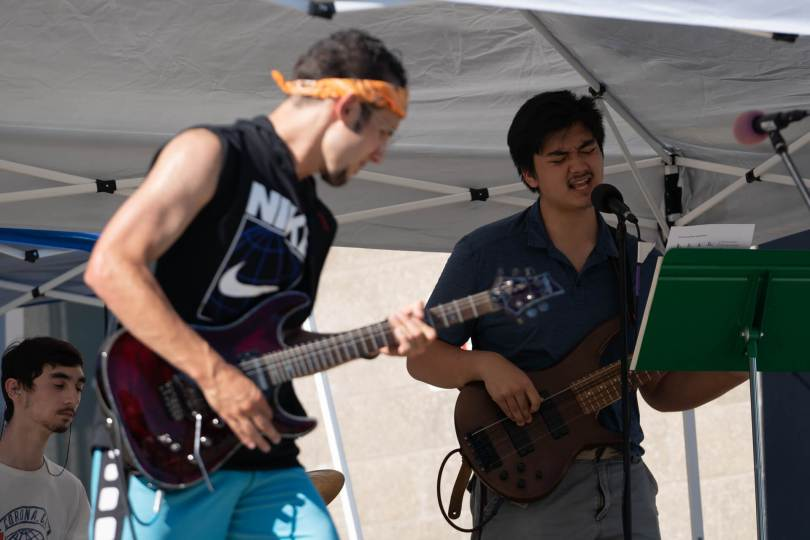 The band Vibes performs at the youth-led mutual aid pop-up.