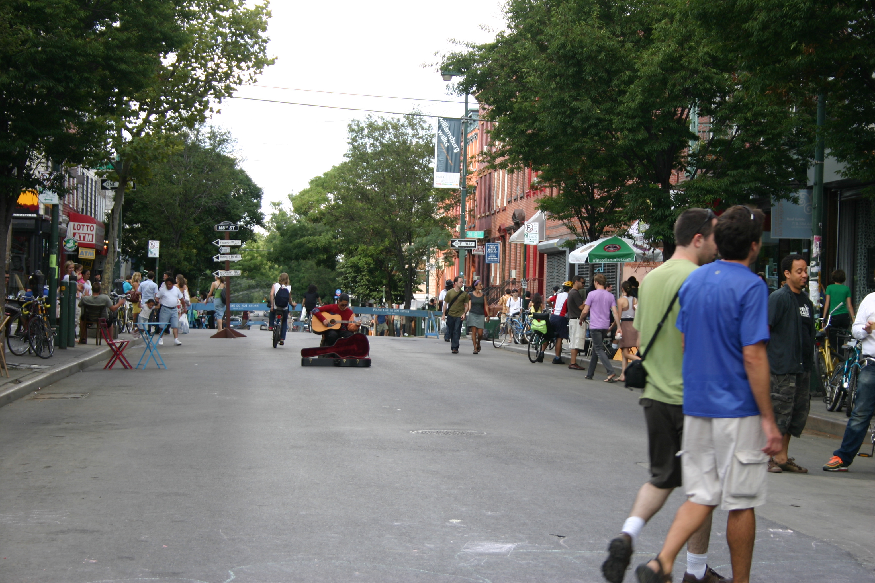 Bedford Ave & Elbow room? Fuhgedaboutit without Williamsburg Walks!