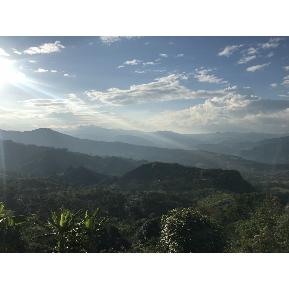 Photo of the mountains of Acevedo Colombia