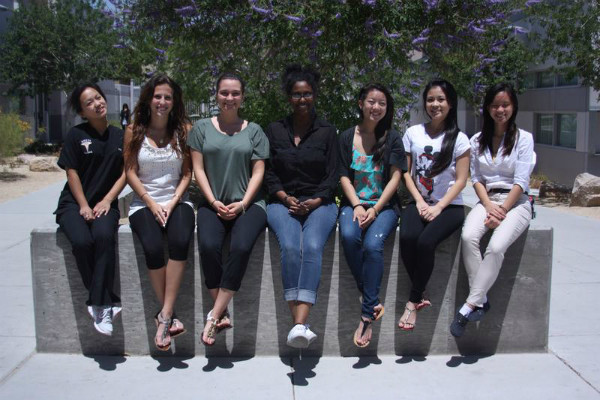 Seniors April Bitanga, Jordan Sutton, Bserat Ghebremicael, Elaine Wong, Nadia Manivong, and Rochelle Mae Ruiz pose for their last picture, as they say goodbye to journalism and the school for the last time.