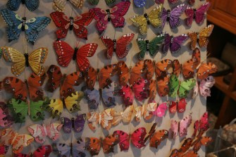 Butterfly pins in every color. Insadong (Arts and Crafts District) / http://creativecommons.org/licenses/by/2.0/