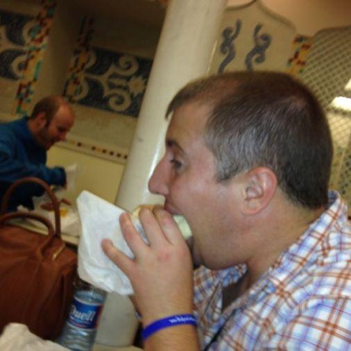nick nickstravelbug eating kebab tbex dublin ireland