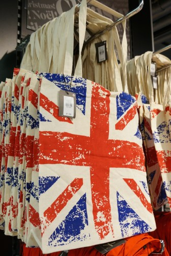 Shopping London Primark Cheap Souvenirs