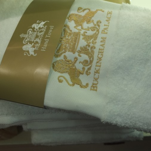 Buckingham palace gift shophand towels souvenir royal london