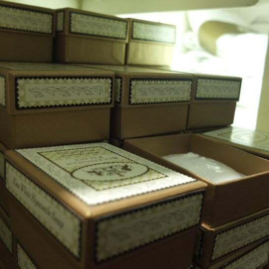 buckingham palace gift shop soaps gift london souvenir