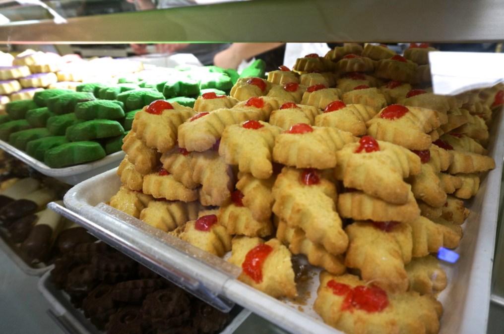 Carlo's bakery cookies
