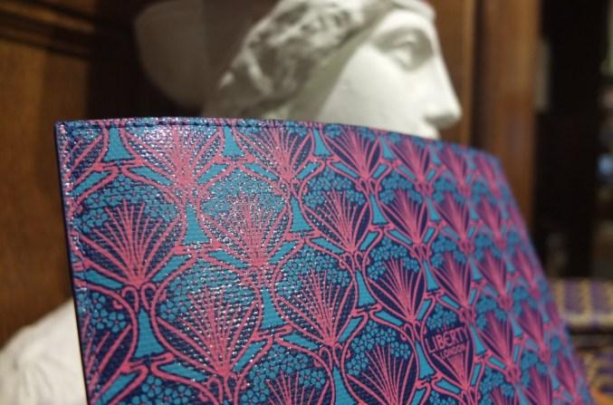 Gift Liberty London Blue Iphis Ipad case