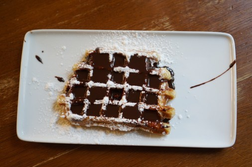 Belgian waffle Gaufre liege Brussels Chocolate sauce