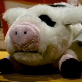 This little pig is the star of an accompanying book about the Vasa-grisen, so make sure to get him too.
