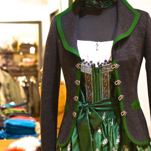 Austrian Kitsch Shopping Vienna Souvenir Gift Drindl