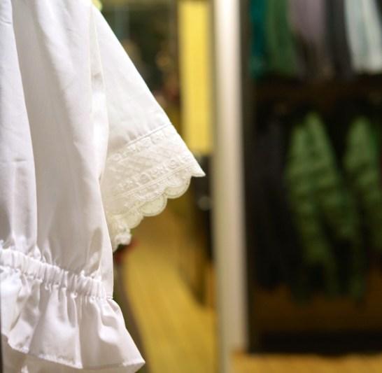 Austrian Kitsch Shopping Vienna Souvenir Gift White Blouses