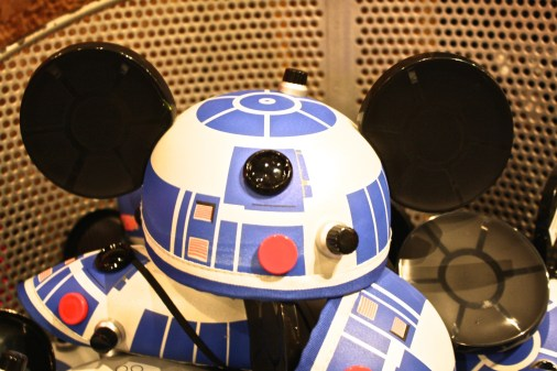 Love this R2-D2 mouse ear hat. WDW, Orlando.