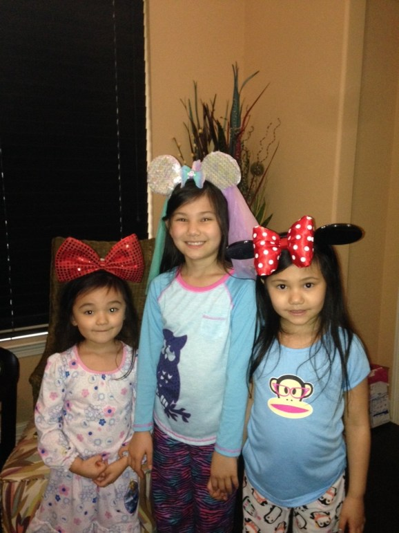 Arisa, Aeris and Ariel look extra adorable in their Mickey ears. Thanks to Ed for rounding them up for the photo!