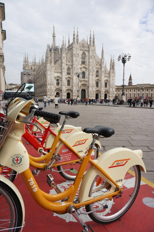 milan cathedral bikes view