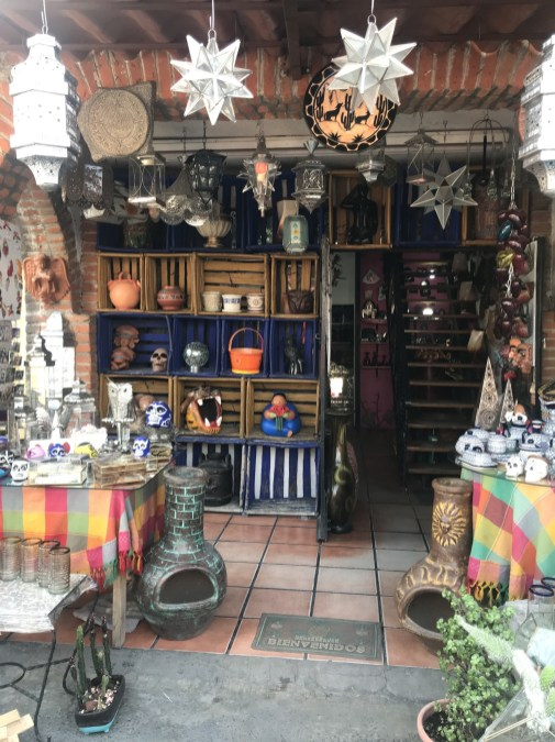 Shopping guide to La Ciudedela market in Mexico City for the best bargain souvenirs