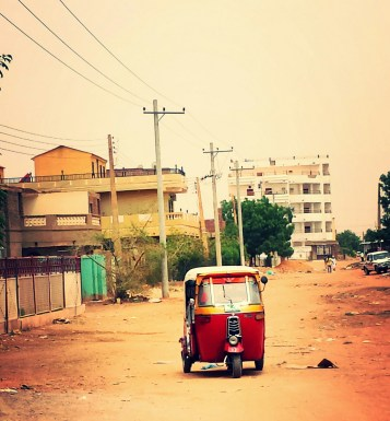 Although many Sudanese people own vehicles, many opt to take public transportation.