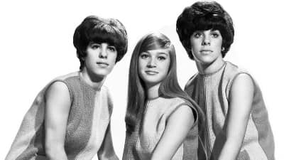 The Shangri-Las – Leader of the Pack