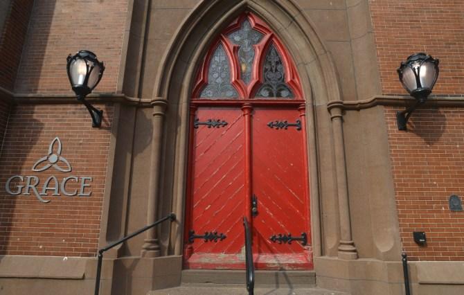 grace front doort