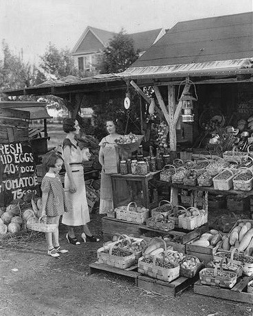 A stand in 1935. Photo by Russell Froelich Collection
