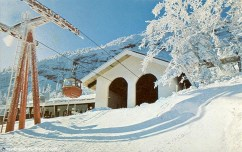 Gondola in 1968. Photo courtesy of newenglandskihistory.com
