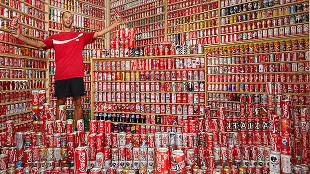 mayor-coleccion-de-latas-coca-cola