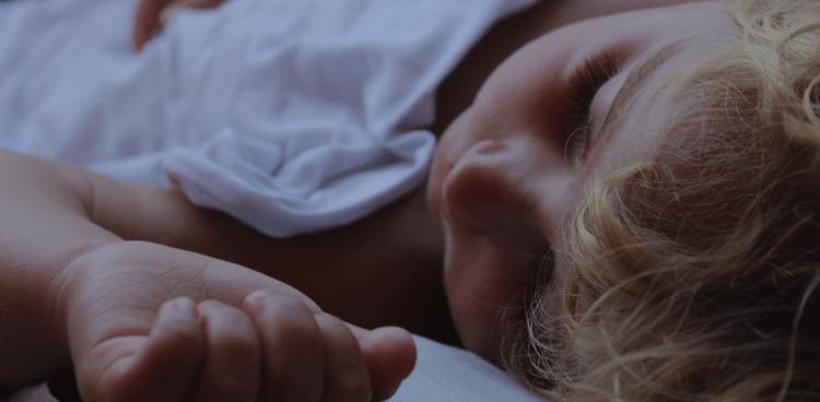 Gråd når barnet skal lære at sove