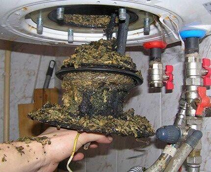 Os efeitos do raro dreno de água do aquecedor de água
