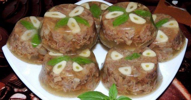 Қысым пісіргіштегі Kazakh плита - шошқа етінен, шошқа етінен, тауық еті, түрік және сиыр етінен рецепттер