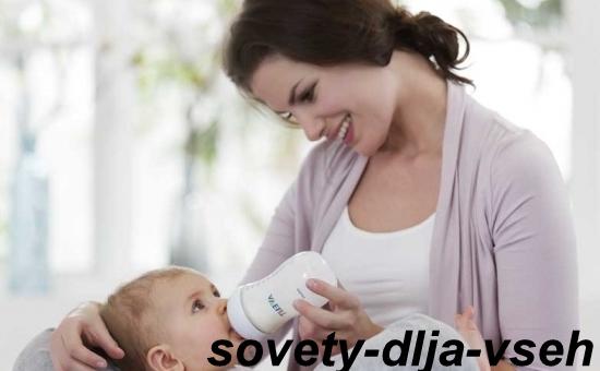 Зависит ли икота новорождённого от его кормления?